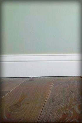 Wooden skirtings offer a professional and beautiful finish to any floor, whether it be hardwood floors, laminate flooring, tiles or carpets.